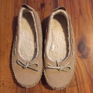 Moccasin/ slippers, nwot